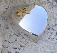 Szív alakú ékszertartó
