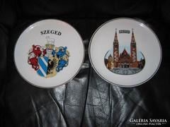 Hollóházi Szeged tányér, 2 db, Dóm, és a címer