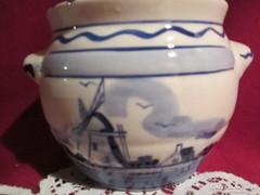 Delft mintás porcelán kaspó 9 cm magas    0813