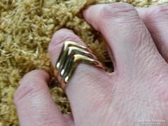 Háromszínű Viktória gyűrű 585-ös, 14 karátos