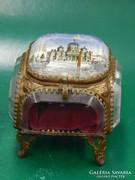Antik ékszertartó ládikó üvegből