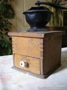 Antik fa fiókos kávédaráló