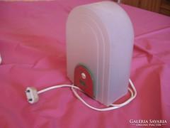 Retro műanyag lámpa