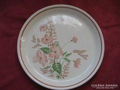 Virágos kerámia tányér