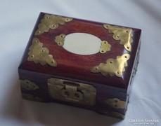 Réz veretes kínai ékszeres doboz hibátlan