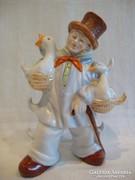 Porcelán férfi alak libákkal kiöntő , palack