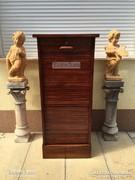 Antik bútor, Lingel irattartó szekrény.