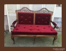 Dekoratív kanapé,szófa,faragásokkal