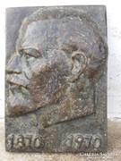Lenin emlékplakett.