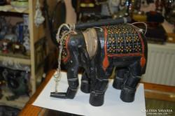 Keleti marionett elefánt figura