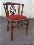 Antik támlás szék