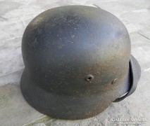 Régi háborús katonai sisak