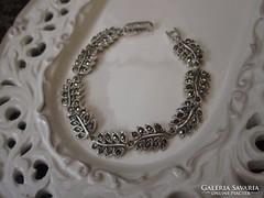 Filigrán antik ezüst markazitos karkötő - leveles