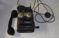 Antik tekerős telefon