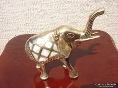 Gyöngyház berakásos tömör réz elefánt Indiából