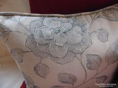Vastag selyempárna kék rózsákkal / 2 db