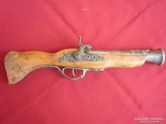 Antik pisztoly másolat,szalamandrás csővel. 39cm