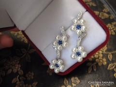 Kisvirágos igazgyöngy ezüst fülbevaló kék és fehér topáz