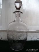 Boros palack, kiöntő, maratott díszítéssel