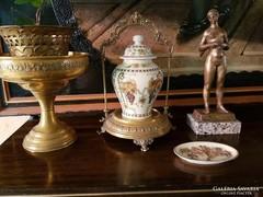 Réz szobor és Zsolnai váza + hamutartó és rézkehely