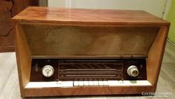 Antik rádió, M10-O típusú eladó