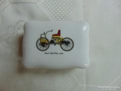 Crown porcelán dobozka