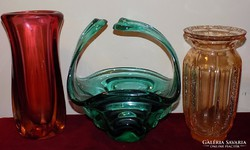 3db Cseh nehéz vastagfalú üveg váza és kínáló,