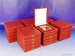 0F460 Szocreál emlékplakett díszdobozban 30 darab