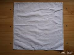 1232. Hófehér, azsúrszegélyes zsebkendő