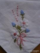 1234. Virágcsokros hímzett díszzsebkendő