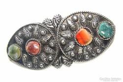 Indiaiacháttal díszített, kézműves Tibeti ezüst hajcsat.