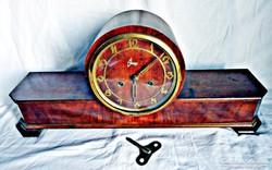 Óragy bútor óra