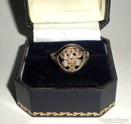 Markazit köves ezüst (925) gyűrű