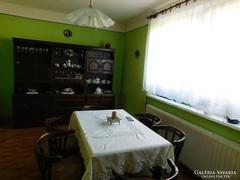 Bonanza étkező bútor ( szekrény, asztal, szék)