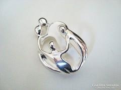 Carolyn Pollack család ezüst medál/kitűző