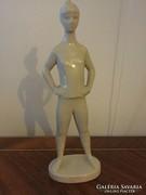Zsolnay figura: Női alak