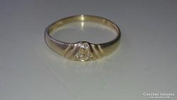 Arany gyűrű 14 k. Cirkonkövekkel