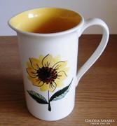 15 x 9 cm napraforgós kiöntő, váza.......