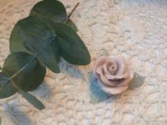 Herendi rózsa, asztaldísz