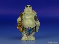 0H403 Jelzett csontszerű álló nevető Buddha szobor