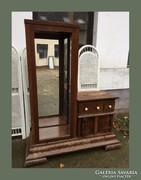 Különleges Art deci vitrines, 3 fiókos szekrény