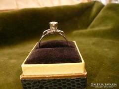 18K brilles fehérarany szoliter gyűrű