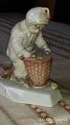 Zsolnay fát hordó kisfiú
