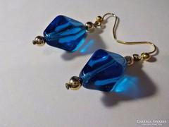 Kék üveg fülbevaló