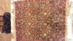 Gyönyörű kézi csomózású teveszőr szőnyeg
