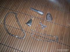Apró ezüst ékszerek