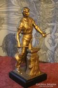 Szocreál vasmunkás szobor