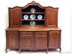 Faragott barokk tálaló szekrény