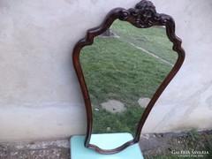 Extra szép barokk tükör.