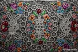 Kalocsai hímzett riselés terítő , asztalközép 78 cm